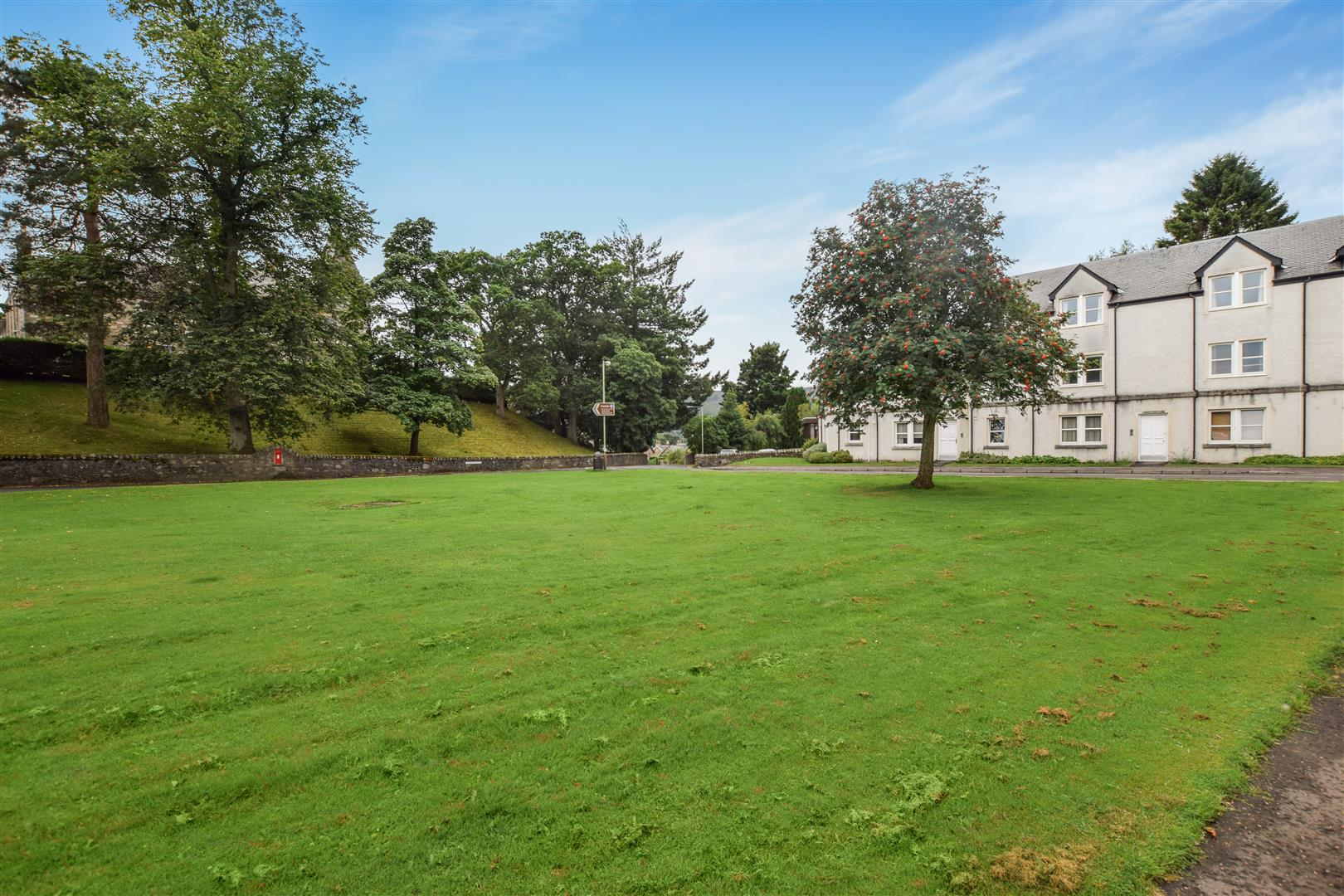 3, Darach Road, Pitlochry, Perthshire, PH16 5HR, UK